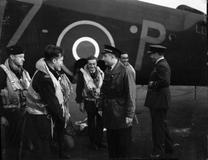 Royal_Air_Force_Bomber_Command,_1942-1945._CH13406