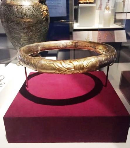Phillip II's gold diadem