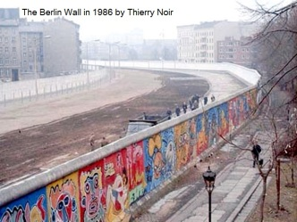 VH 2 Berlin Wall 1986 by Thierry Noir v2
